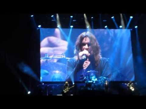 Black Sabbath Live in Ozzfest Japan - Children of the Grave