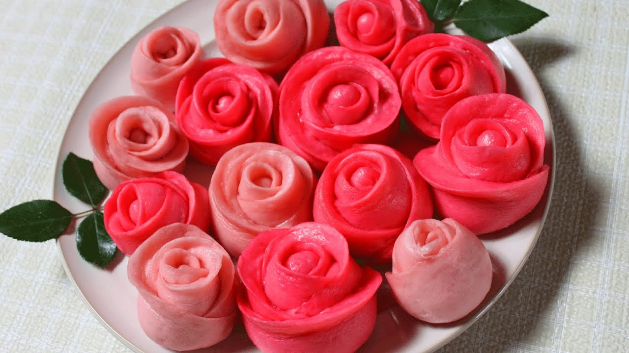 steamed buns / Valentines rose flower cake 玫瑰花馒头 - YouTube