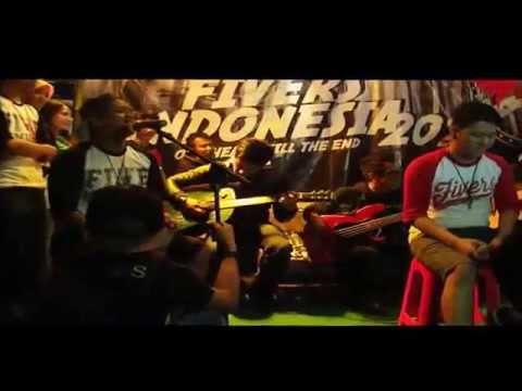 Five Minutes - Arya fm Bersalah (jambore Fivers 2014)