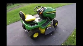 Overview of John Deere X370 lawn tractor