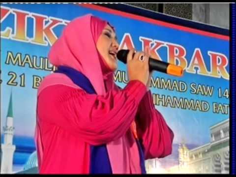 06-evi-tamala-masjid-al-akbar-surabaya-asmaul-husna-130113