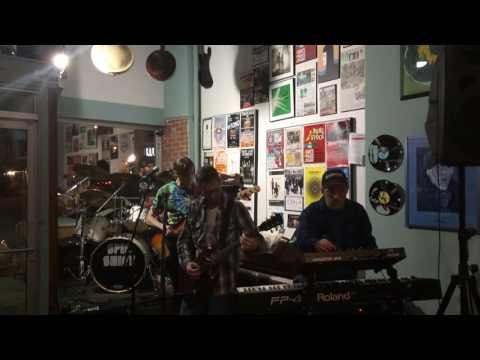 Spinshift live at the Record Centre