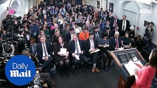 CNN's Jim Acosta questions Sarah Sanders on White House return
