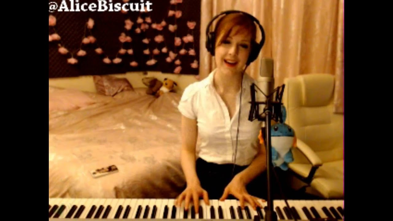Alice Biscuit on Twitter: Im online on MFC! ^_^ http://t