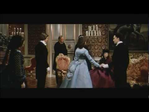 """Sonia Petrovna als Prinzessin Sophie von Bayern in """"Ludwig"""": Verlobung von Ludwig und Sophie"""