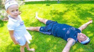 Stacy le enseña a papá a hacer deporte