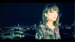 """http://www.moumoon.com 大ヒット曲「Sunshine Girl」を歌うmoumoonが""""YEN TOWN BAND""""の名曲「Swallowtail Butterfly〜あいのうた〜」をカバー!ボーカルのYUKA ..."""