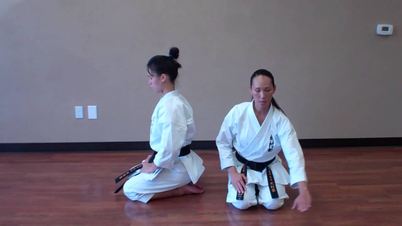 how to sit and bow in seiza busonjuku usa youtube. Black Bedroom Furniture Sets. Home Design Ideas