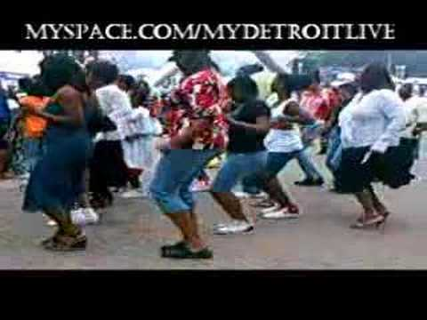 Watch crowd Do The Hustle - Detroit Live (cupid shuffle)