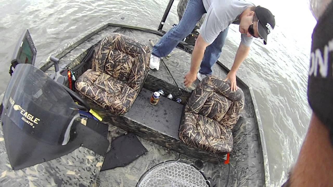 Striper fishing in delaware river youtube for Delaware river striper fishing