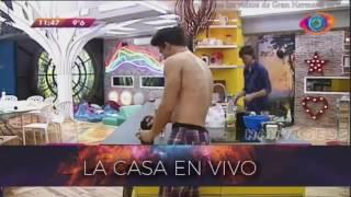 Gh 2016 03 08 Yasmila Y Pato Cantando Y Bailando En La Ducha Gran Hermano 2016