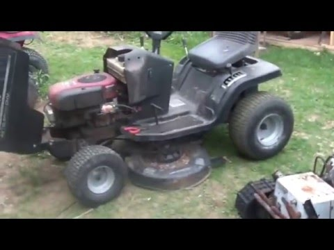 Fixing the Free Murray Tractor, clogged gas line, Part 2,