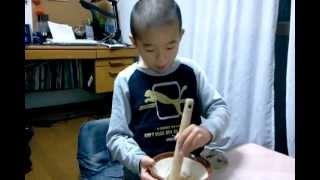 リョウイチの収穫祭! 育てた稲の、籾摺り(もみすり)を手作業でw thumbnail