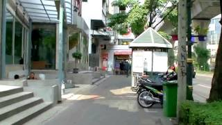 曼谷自由行- BTS Asok 空鐵站步行往Sukhumvit 10巷曼谷佳樂 ...
