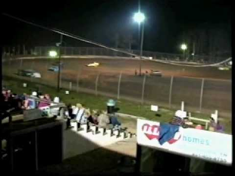 Jeff Stutts winning 2005 opener at Duck River Speedway