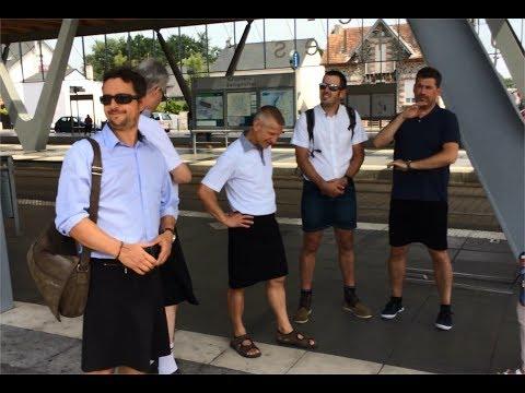 Nantes. Canicule, les conducteurs CFDT de la TAN sont en jupe pour protester