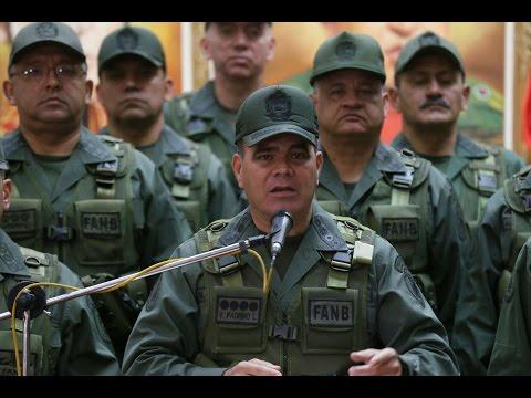 Padrino López y el Alto Mando Militar leen comunicado exhortando a respetar la Constitución
