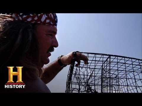 Swamp People: Crabbing For Dinner | History