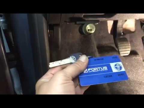 Рольф – официальный дилер марки renault. 3 дилерских центра в москве и санкт–петербурге. Продажа автомобилей рено в кредит, лизинг для физ. Лиц. Оригинальные запчасти и аксессуары.
