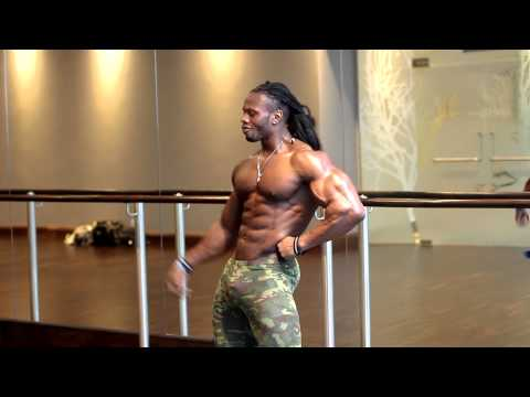 Ulisses Jr Posing Practice: Ulisses Jr Posing Practice. Practicing your posing is enssential for all Competitors. After all the hard work of training and dieting, you must be able to showcase your physique and present the Aesthetics. Make sure you practice a few times a week to perfect your craft. Stay Dedicated. Always!