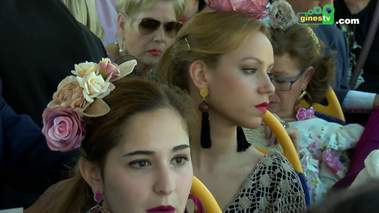 Cientos de personas usan en sus primeros días el servicio de autobuses de Gines a la Feria de Abril