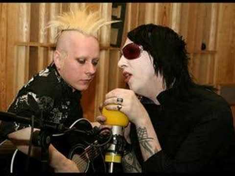 Marilyn Manson - Heart Shaped Glasses Acoustic