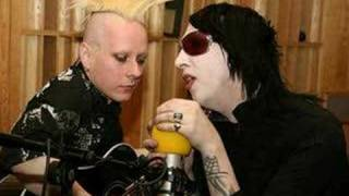 Marilyn Manson - Heart Shaped Glasses Acoustic