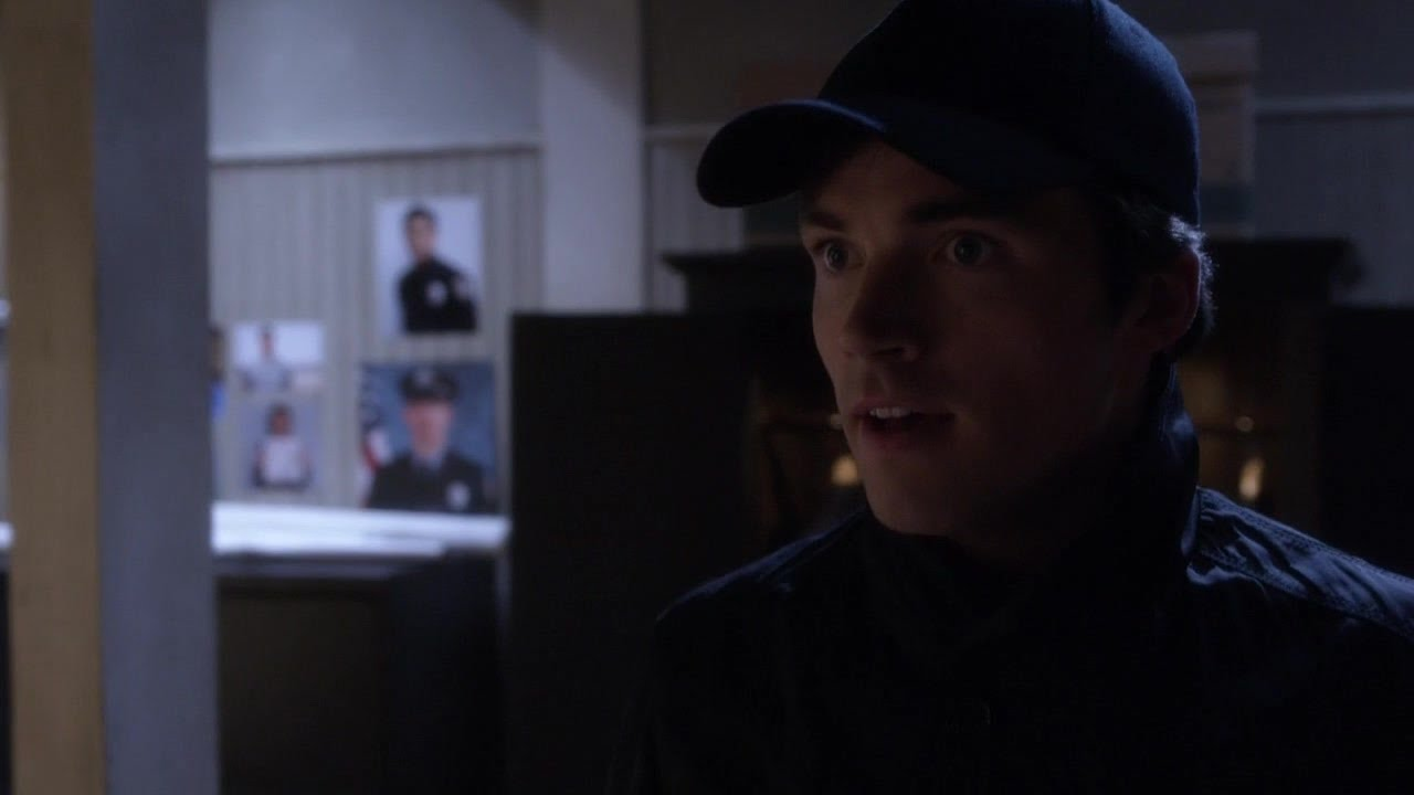 ezra is a pretty little liars 4x12 finale shocker ali