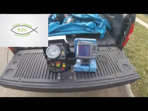 Best Ice Fishing Electronics Under $500 LCD V  Flasher Vexilar V  Marcum V  Lowrance V  Humminbird V
