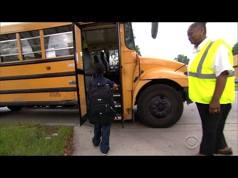 Keeping kids safe on Chicago's violent school routes