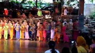 Saung Angklung Mang Udjo - Medley of Indonesian Traditional Songs