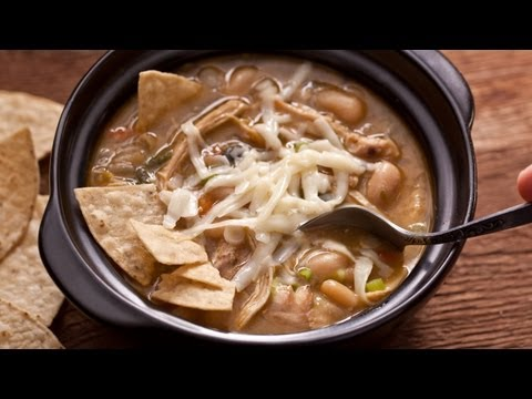 How to Make Easy White Chicken Chili - The Easiest Way