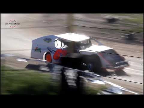 Wild Bill's Raceway Modified Heat Race 6/8/19