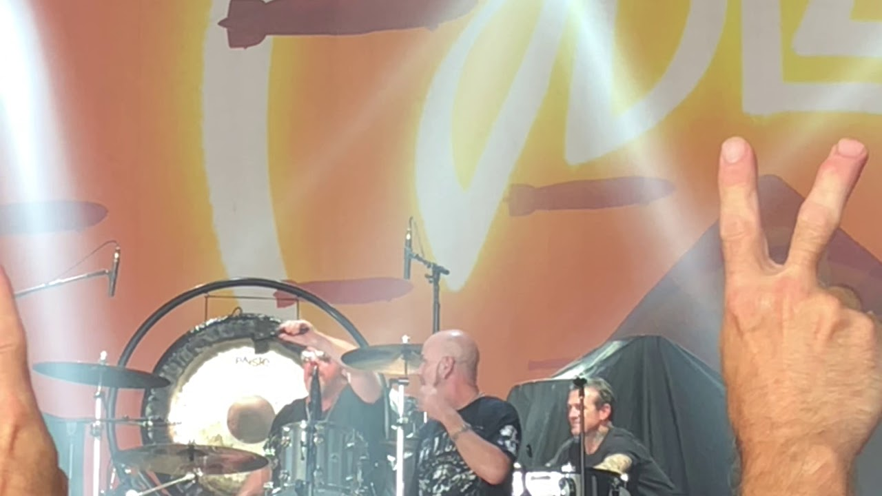 Jblze Over The Hills And Far Awaylive At Pnc Music Pavilion