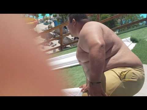 GORDO EN TOBOGAN VIDEO ORIGINAL