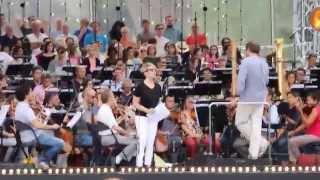 "Joyce DiDonato rehearses ""Somewhere over the Rainbow"" - Le Concert de Paris 2015"