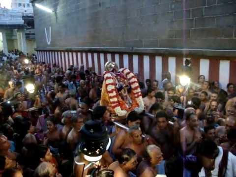 Varadaraja Perumal - Swami Desikan Piriyaa Vidai - 2012