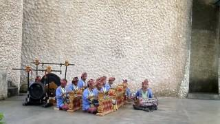 Musik Pengiring Tari Bali di GWK - Stafaband
