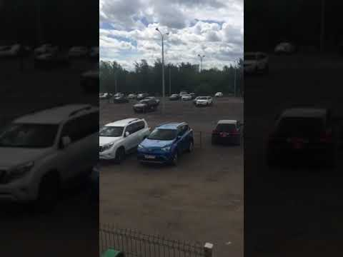 Стоянка автомашин возле ЖК новая звезда