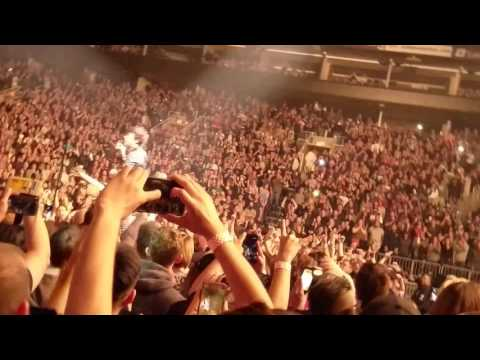 Holiday - Green Day (Live @ Talking Stick Resort Arena)