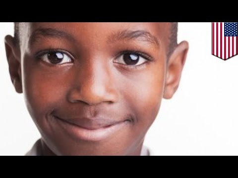 Чёрного мальчика отстранили от уроков за то, что он глазел на белую девочку