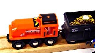 Новый тепловоз на каменоломне в Брио. Видео для детей про поезда.