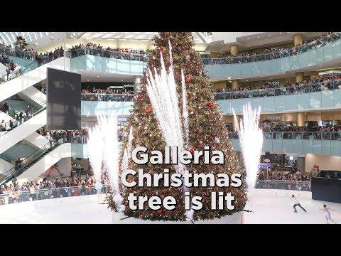 Santa helps light Christmas tree at Galleria Dallas Mp3
