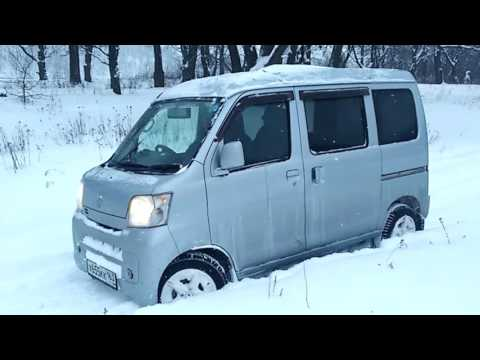 Snow Test-Drive Daihatsu HiJET CARGO 4WD in the Russian Winter Forest