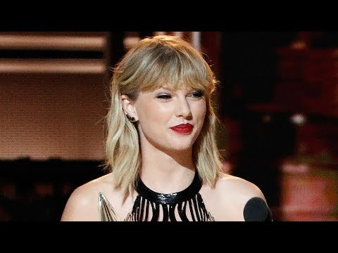 Fans DRAG Taylor Swift's Acoustic Cover of Earth, Wind & Fire's