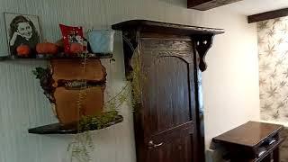 Короткое видео о межкомнатной двери под старину, из массива сосны, сделанной своими руками.