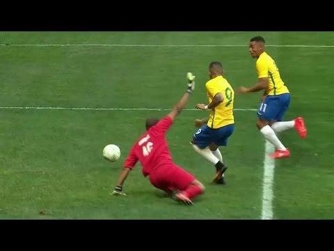 В матче мужского футбольного турнира на Олимпиаде сборные Бразилии и ЮАР сыграли вничью.