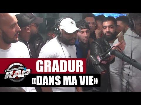 """Gradur """"Dans ma vie"""" en live dans Planète Rap"""