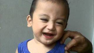 Suara bayi ketawa lucu dan fotogenik. Cute baby laughing and photogenic. + Mp3 ringtone