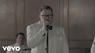 Leonel García - No Sé Con Quién ft. Jesús Navarro, Reik
